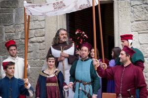 San Marino Wedding outside chapel